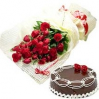 Cake with 12 Roses