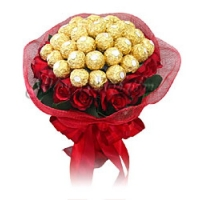 Roses In Bouquet With Ferrero Rochers